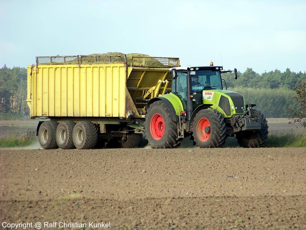claas axion 840 mit fliegl dreiachs h nger traktor. Black Bedroom Furniture Sets. Home Design Ideas