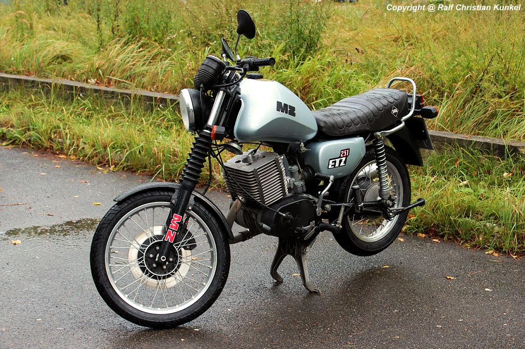 mz etz 251 motorrad zweirad hersteller veb motorradwerke zschopau ddr ifa. Black Bedroom Furniture Sets. Home Design Ideas