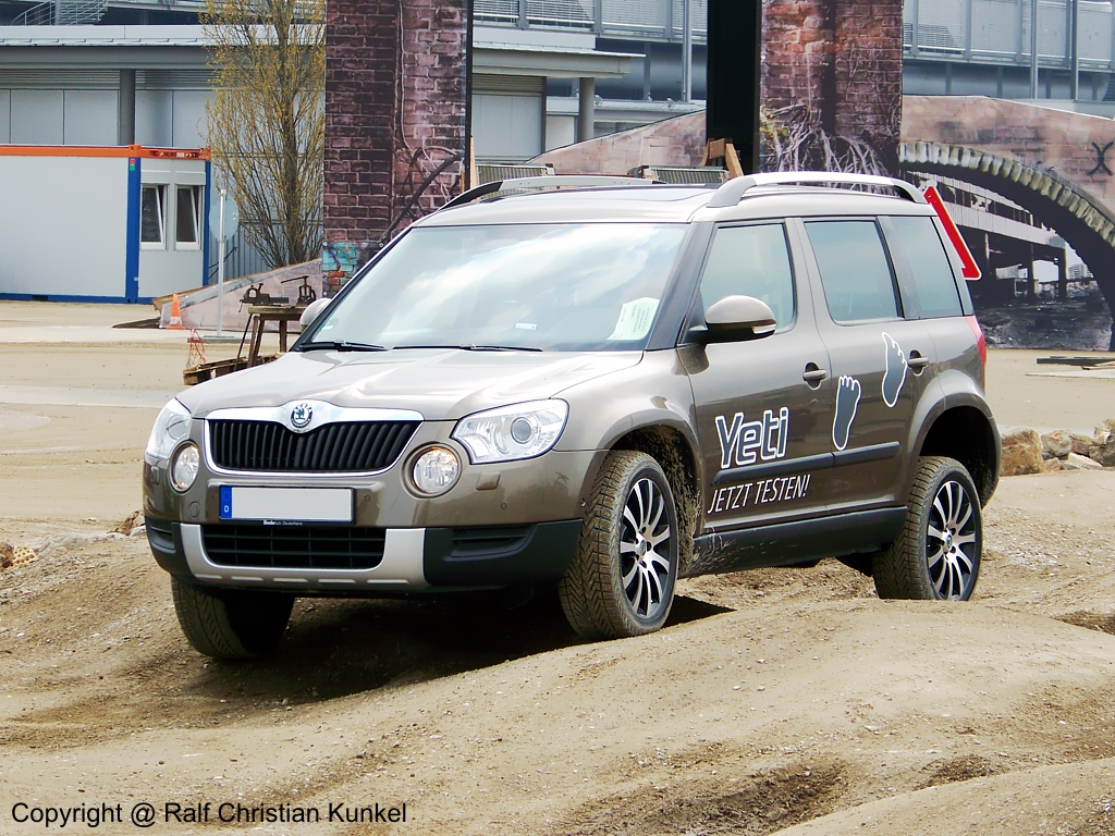 skoda yeti 4x4 fotografiert am auf der ami 2010 in leipzig copyright ralf. Black Bedroom Furniture Sets. Home Design Ideas